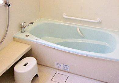 浴室を広げてシステムバスを設置