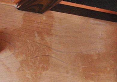 床のシミの美装工事