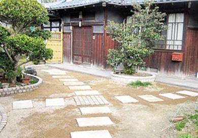 玄関先への石積み工事