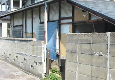 傷んだ外壁の改装
